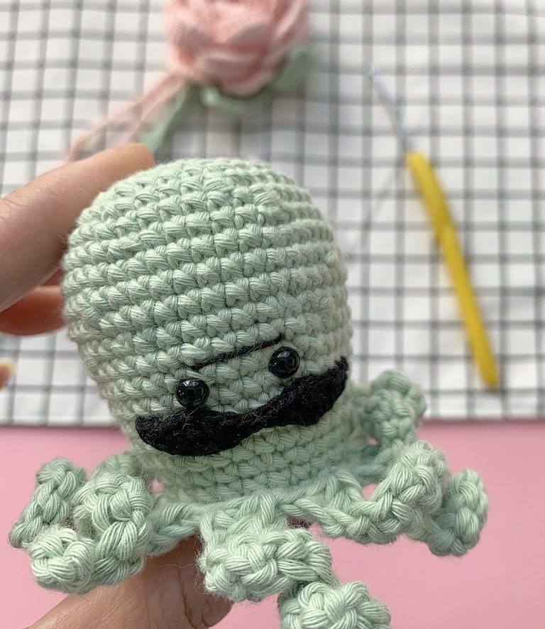 Free pattern: Baby Octopus with a mustache